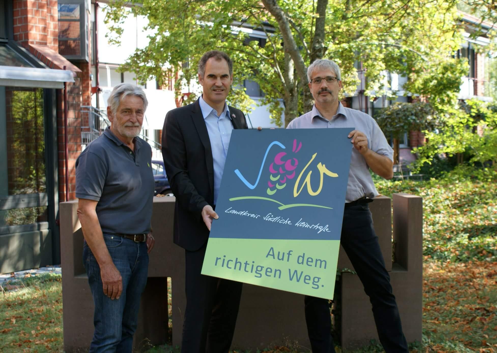 Karlheinz Zwick (li.), Dietmar Seefeldt (mi.) und Udo Kuhn (re.). (Quelle: Landkreis Südliche Weinstraße)